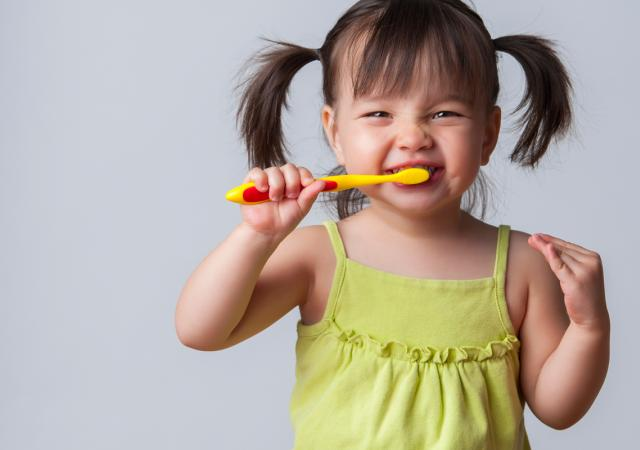 How to teach kids to brush their teeth blog