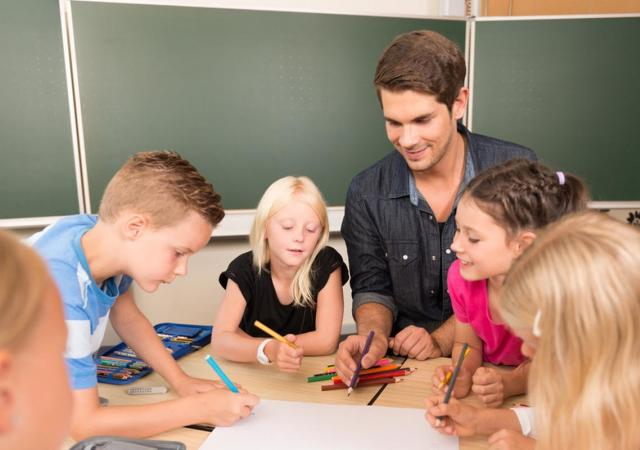 How to Become a Teacher's Assistant